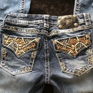 Miss Me Signature Cropped Jeans